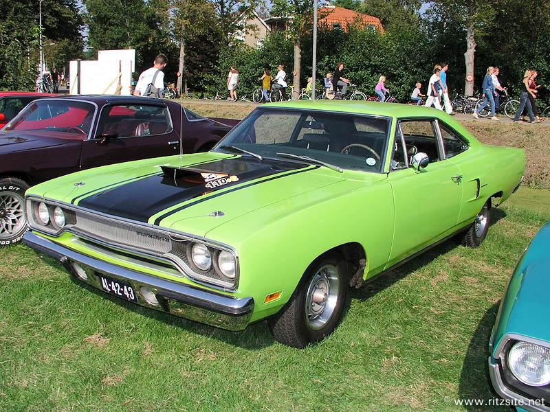 Plymouth Road Runner I